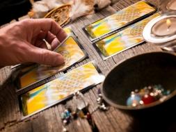 Los tipos de tarot más místicos que utilizan las tarotistas